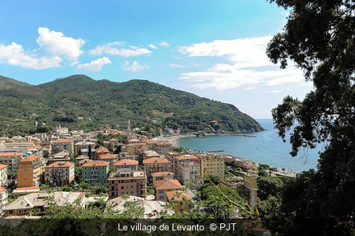 Le village de Levanto  PJT