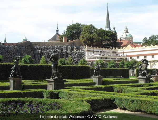 S jour ville d art r p tch que prague ville d or for Jardin wallenstein prague