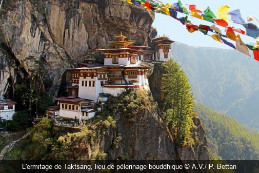 L'ermitage de Taktsang, lieu de pélerinage bouddhique A.V./ P. Bettan